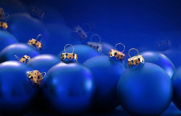 Tagesklinik am brand weihnachten 01 tagesklinik am brand - Blaue christbaumkugeln ...